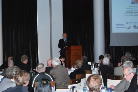 Mr. Skarphedinsson speaking at a conference hosted by the Iceland-China Trade Council